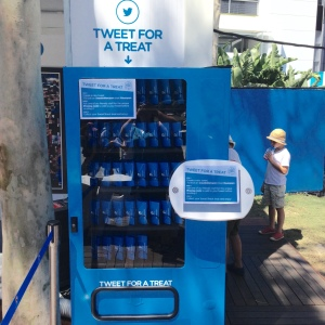 Tweet For A Treat Twitter Vending Machine Australian Open 2015
